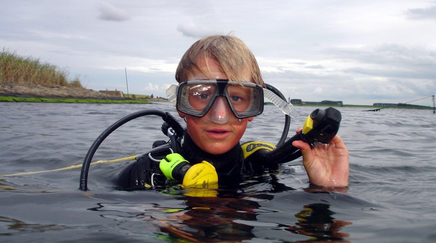 Kinderen leren duiken kan vanaf 12 jaar